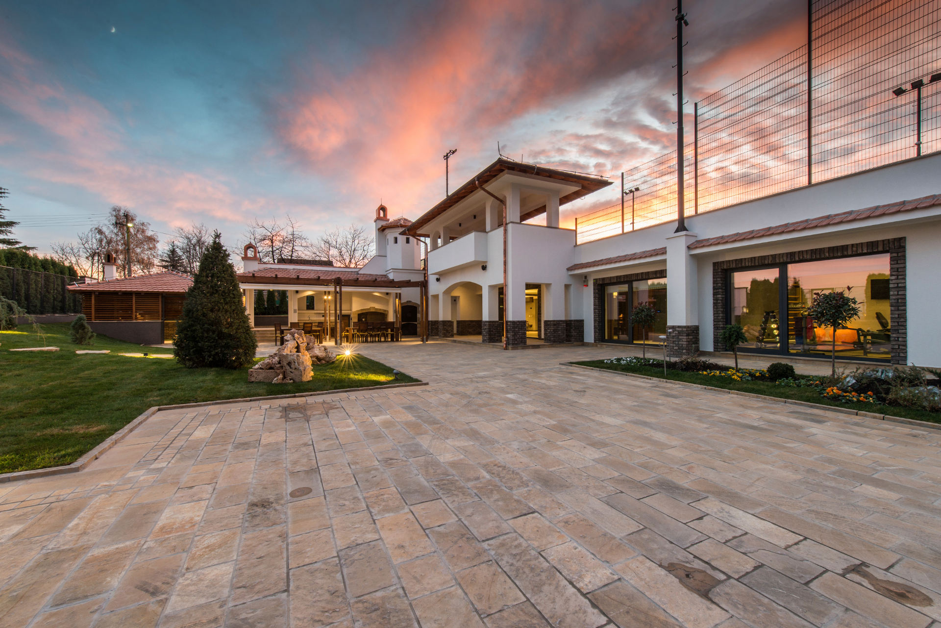 Eierskifterapport bilde av villa i solnedgang